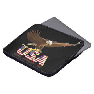 Bald eagle on the flag laptop sleeve