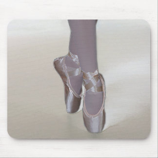 ballet at point Mousepad