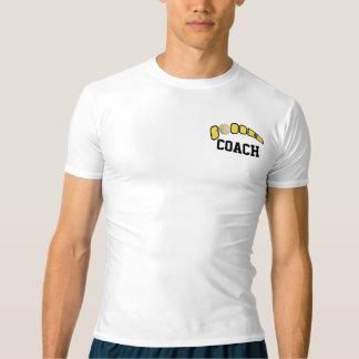 Ballon de football en jaune t-shirt