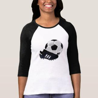 Ballon de football et crampons tee-shirts