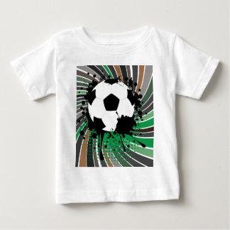 Ballon de football sur l'arrière - plan 3 de t-shirt pour bébé