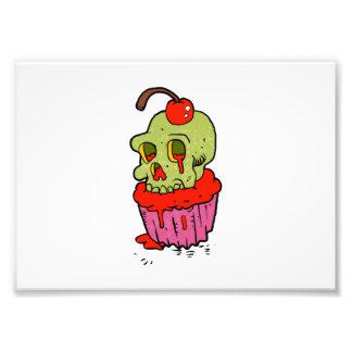 bande dessinée éffrayante de petit gâteau de crâne photos