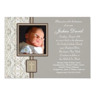 Baptême beige en ivoire de photo de garçon carton d'invitation  12,7 cm x 17,78 cm