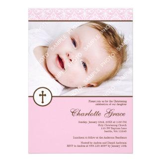 Baptême rose de baptême de photo de fille de croix invitations personnalisables