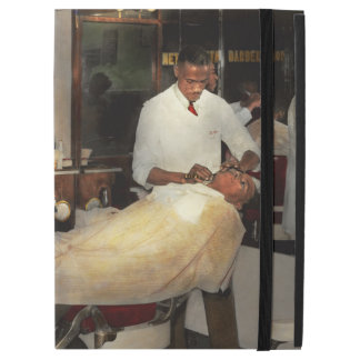 """Barber - A time honored tradition 1941 iPad Pro 12.9"""" Case"""