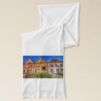 Bardejov central place scarf