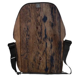 BARN BOARD MESSENGER BAG