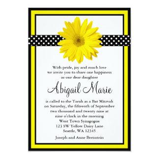 Bat mitzvah jaune de pois de noir de marguerite carton d'invitation  12,7 cm x 17,78 cm