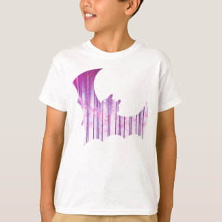 Bat of wisps and strands T-Shirt