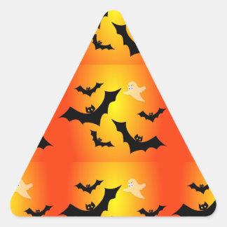 Battes et un fantôme sticker triangulaire