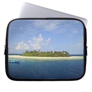Baughagello Island, South Huvadhoo Atoll, Laptop Sleeve