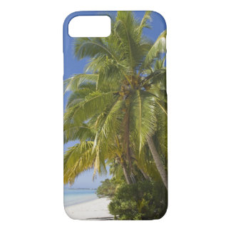 Beach on One Foot island, Aitutaki, Cook Islands iPhone 7 Case