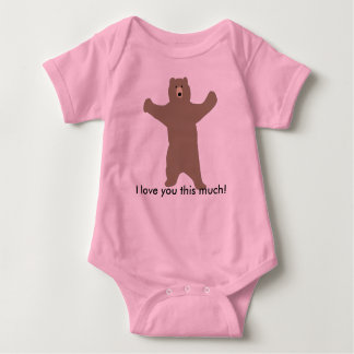 "Bear infant t-shirt saying ""I love you this much!"""