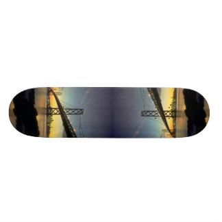 Beau coucher du soleil : Pont de baie, San Francis Skateboard