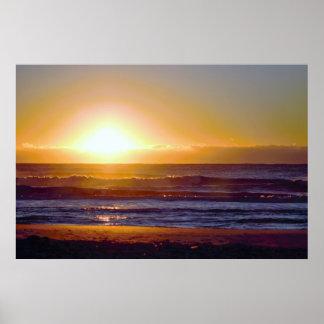 Beau lever de soleil à la photo de bord de la mer