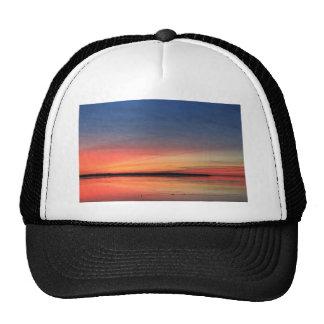 Beau lever de soleil casquette de camionneur