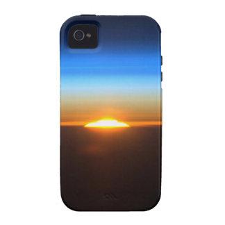 Beau lever de soleil dans l'espace coque Case-Mate iPhone 4