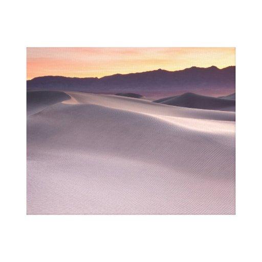 Beau lever de soleil de désert toile tendue sur châssis
