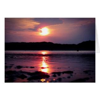 Beau lever de soleil de plage carte de vœux