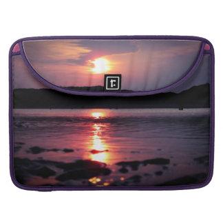 Beau lever de soleil de plage poches pour macbook pro
