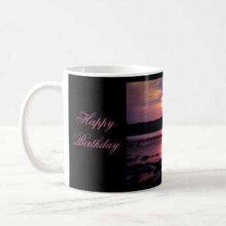 Beau lever de soleil de plage (joyeux anniversaire tasse à café