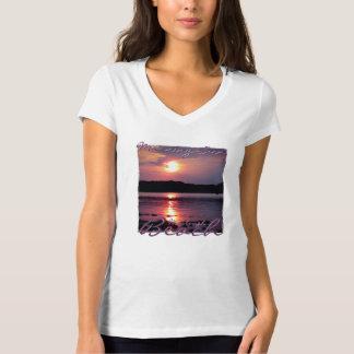 Beau lever de soleil de plage t-shirts