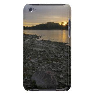 Beau lever de soleil de rivière coque Case-Mate iPod touch