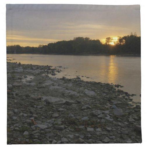 Beau lever de soleil de rivière serviettes imprimées