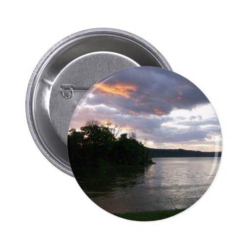 Beau lever de soleil le long de la rivière Ohio Pin's Avec Agrafe