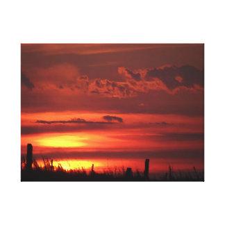 Beau lever de soleil orange de pays toiles tendues