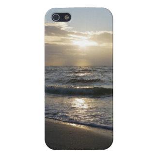 Beau lever de soleil sur la plage sur le coque iph coques iPhone 5