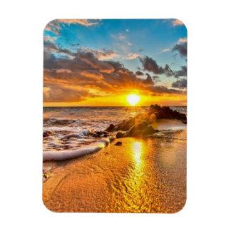 Beau lever de soleil sur l'aimant de plage magnet souple