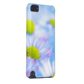 Beautiful daisy iPod touch (5th generation) cover
