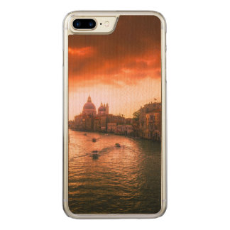 Beautiful historic venice canal, italy carved iPhone 8 plus/7 plus case