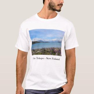 Beautiful New Zealand Lake Tekapo Landscape Tshirt