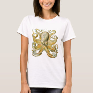 Beautiful octopus picture by Haeckel T-Shirt