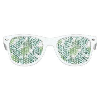 beautiful pattern fashion style rich looks  green kids sunglasses