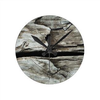 beautiful pattern wood fashion style rich looks round clock