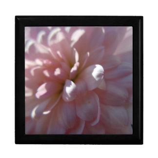 Beautiful Pink Mum Gift Box