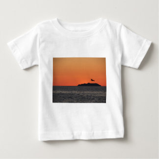 Beautiful sea sunset with island silhouette baby T-Shirt