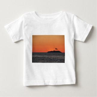 Beautiful sea sunset with island silhouette baby T-Shirt