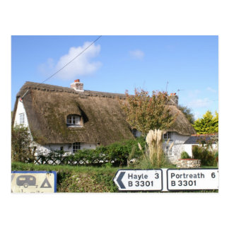 Beautiful thatched cottage postcard