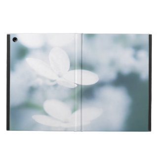Beautiful white blossoms iPad air case