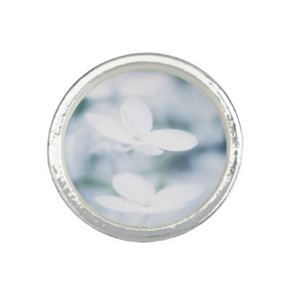Beautiful white blossoms ring