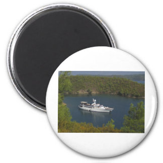 Beautiful Yacht 2 Inch Round Magnet