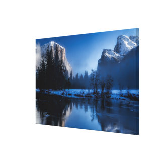 Beautiful yosemite national park landscape canvas print