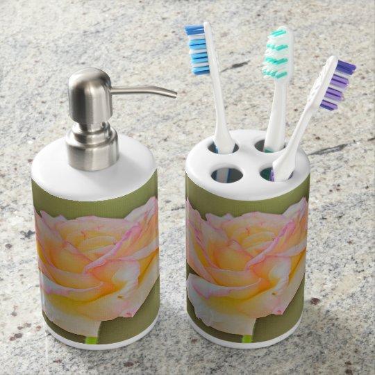 Beauty Rose in Metal Bathroom Set