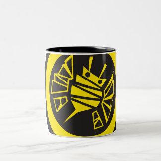 bee-button Two-Tone mug