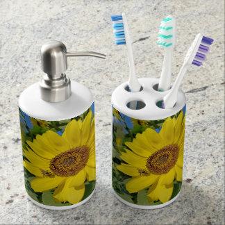 Bee-Dazzled Sunflower Bath Set