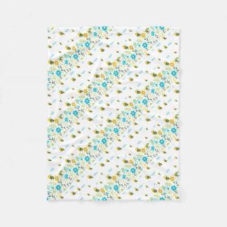 Bee Flying Fleece Blanket
